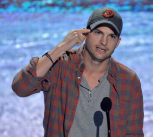 ashton-kutcher-teen-choice-awards