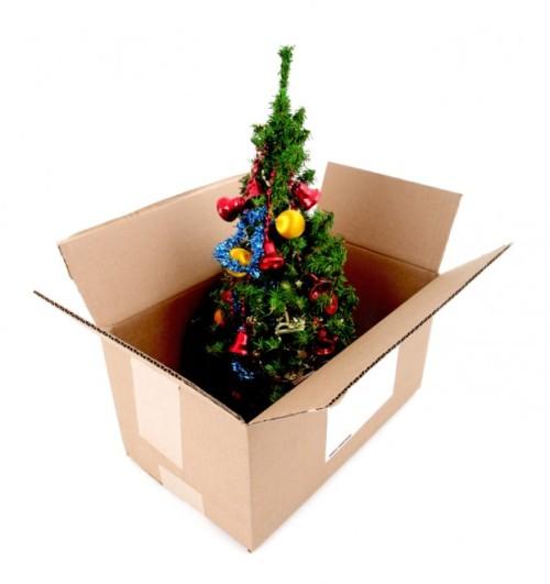 Christmas-tree-box-packing-storage-621x660