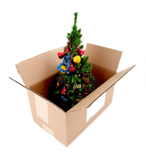 Christmas-tree-box-packing-storage-621x660